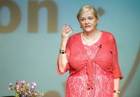 Ann Widdecombe speaking at the Swindon Festival of Literature ©Calyx Pictures